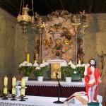 Ołtarz przedstawia koronację Matki Bożej