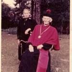Ks. Kubis z gospodynią Marią Nicpoń